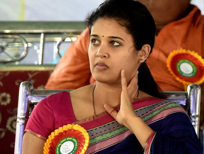 IAS officer Rohini Sindhuri on Friday filed a petition in the Karnataka High Court challenging the Central Administrative Tribunal (CAT) order upholding her transfer order. DH file photo