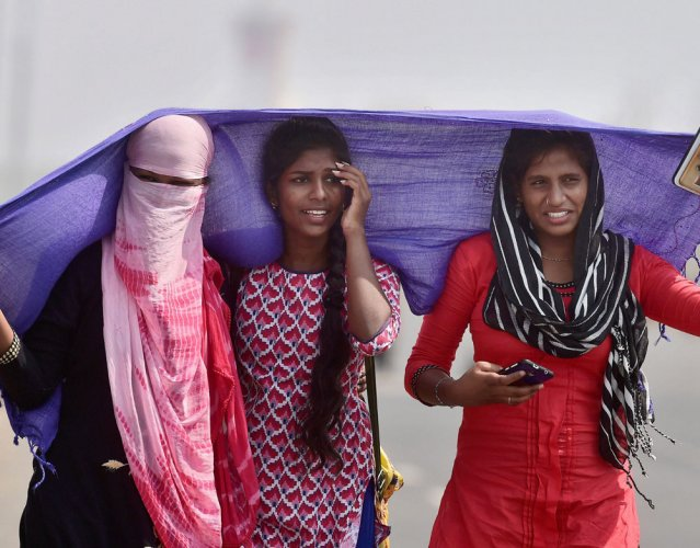 """The mercury in the """"black gold city"""" of Chandrapur on Tuesday recorded 47 degree Celsius on Tuesday, the highest in the country for the day, as the heatwave in Vidarbha region continued. PTI file photo"""