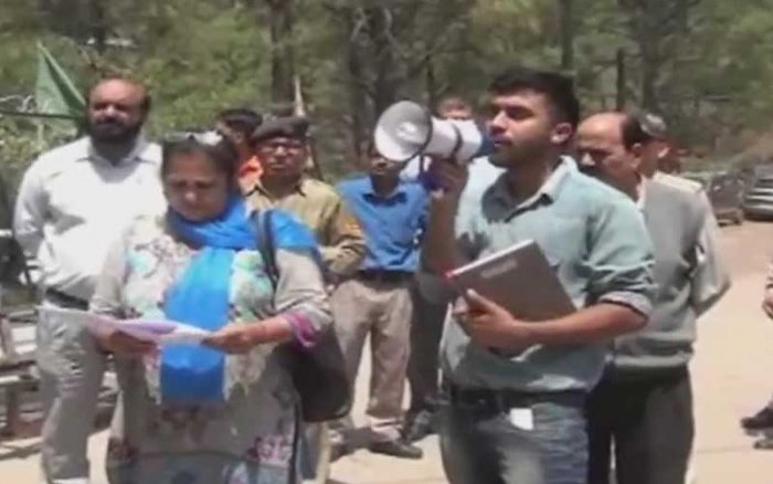 Assistant Town and Country Planner Shailbala was killed on the spot and Gulab Singh severely injured when the owner of the Narayani guest house, Vijay Kumar, opened fire on the demolition team, police said. (Image: ANI Twitter)