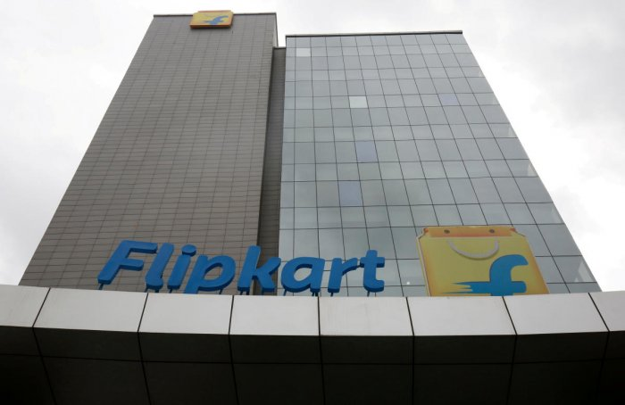 Amazon also offered Flipkart a breakup fee of $2 billion and is likely to be on par with Walmart Inc's bid for the e-commerce company, CNBC TV-18 reported. Reuters File Photo