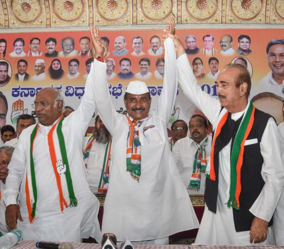 MP Mallikarjun Kharge, North Constituency candidate Allamaprabhu Patil and Leader of the Opposition in Rajya Sabha Gulam Nabi Azad during election campaign for North constituency at Shanbagh Convention Hall in Kalaburagi on Tuesday. - Photo/ Prashanth HG