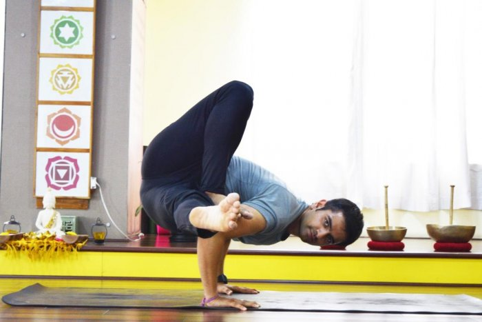 Naveen Sharma, yoga instructor, recommends a mix of yoga and running.