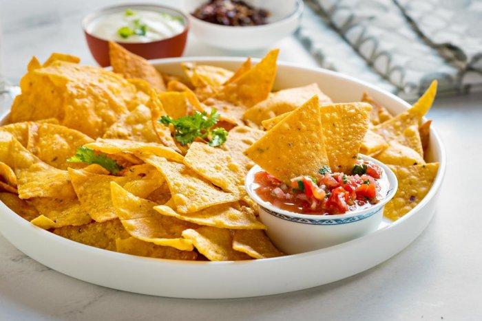 Golden corn nachos