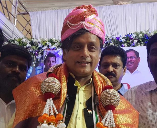 Former chief minister of Kerala Oommen Chandy and Thiruvananthapuram Member of Parliament Shashi Tharoor on Friday campaigned for the CV Raman Nagar Congress candidate R Sampath Raj, also the mayor of the BBMP. Picture courtesy Twitter