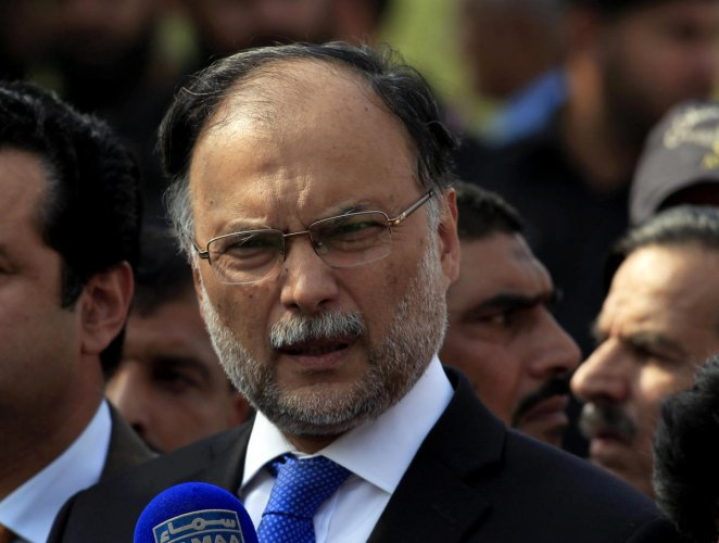 Pakistan interior minister Ahsan Iqbal on Sunday escaped an assassination attempt during a political rally. Reuters/File photo