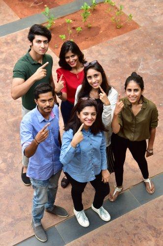 (Clockwise) Musa,Annie, Shibani, Anvitaa, Sonu and Vishal.
