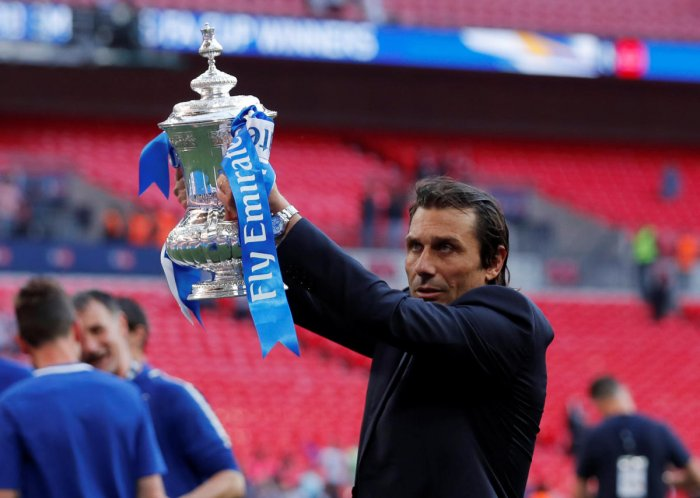 Chelsea manager Antonio Conte celebrates after winning the FA Cup on Saturday. Reuters