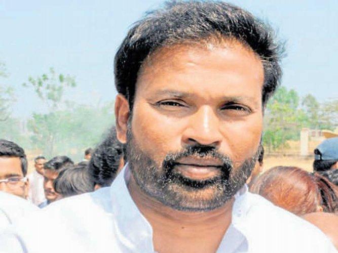 BJP legislator from Molkalmuru B Sriramulu