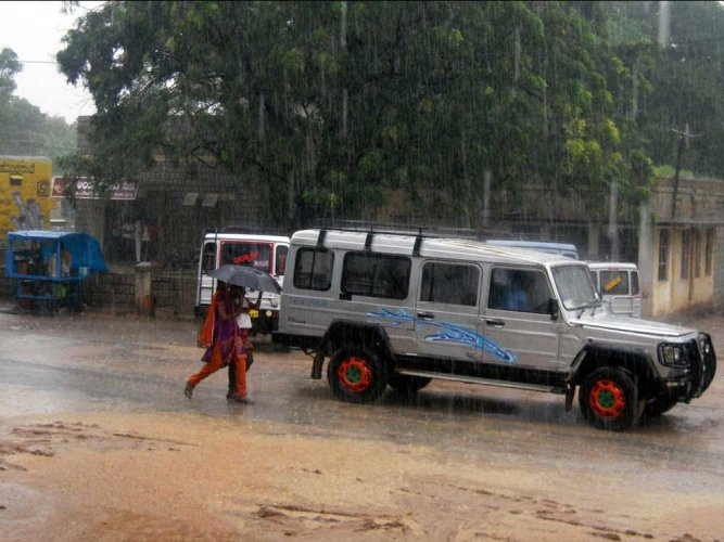 Hailstorms lashed Gadag and Betageri towns in the early hours of Tuesday, causing extensive damage to property. However, there have been no reports of loss of life. DH file photo