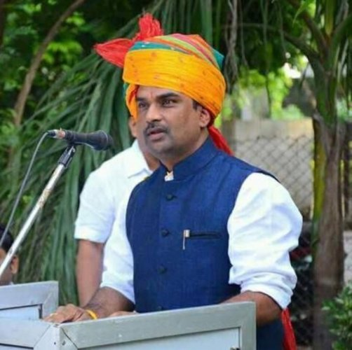 Kamlesh Dosi, a second time mayor of Pratapgarh, was found in unconscious state with severe injury marks on his head and body.