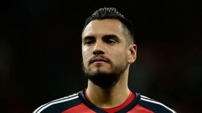 Sergio Romero was ruled out of the Argentina squad due to a knee injury.