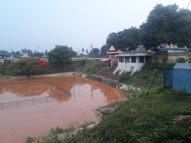 Dodda Arasana Kola lake in Chamarajanagar is filled to the brim following heavy rains in the last few days for the first time in the last 30 years.