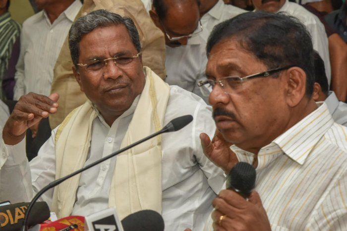 Former chief minister Siddaramaiah and Deputy Chief Minister and KPCC chief G Parameshwara left for New Delhi along with other leaders. DH file photo
