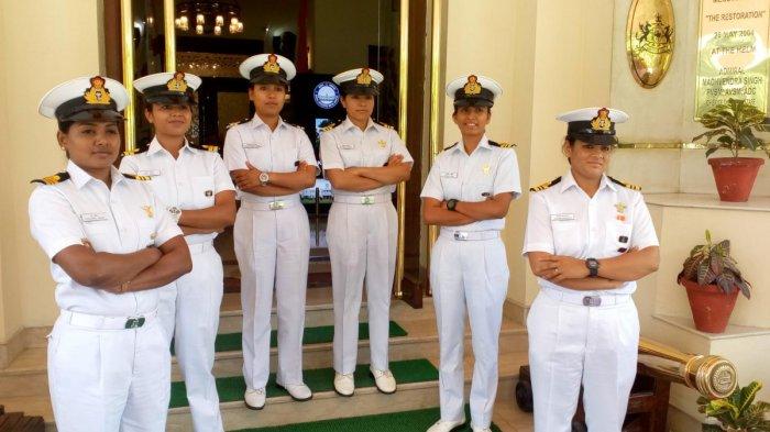 THE CIRCUMNAVIGATORS: The all-women team of Tarini comprising (L-R) Swati P,Payal Gupta, S Vijaya Devi, Pratibha Jamwal, Vartika Joshi and Aishwarya Boddapati.