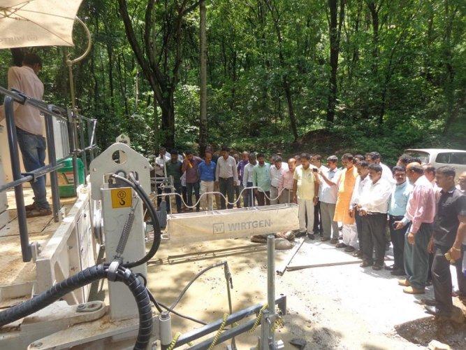 MP Nalin Kumar Kateel, MLA Sanjeeva Matandoor inspect the concreting work on Shiradi Ghat stretch on NH 75.