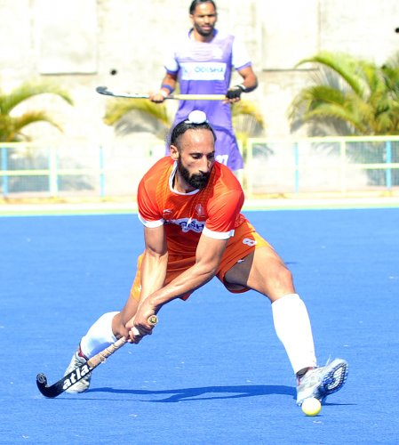 Sardar Singh has been recalled in the Indian team for the Champions Trophy, beginning on June 23 in Breda, The Netherlands. DH FILE PHOTO