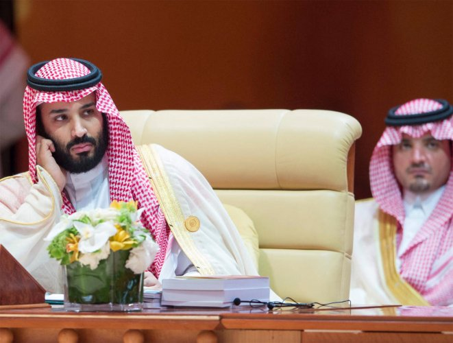 Saudi Arabia's Crown Prince Mohammed bin Salman (L), Reuter file photo