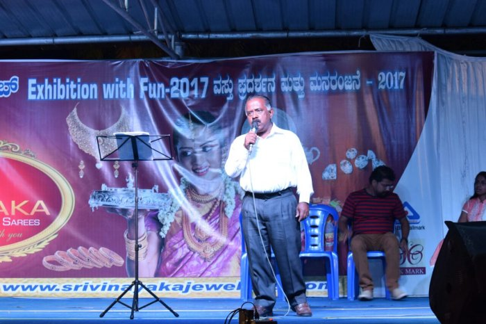Mohan Kumar performing at an exhibition.