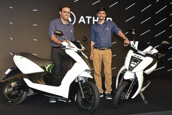 Tarun Mehta (left) and Swapnil Jain launch the electric scooters Ather 450 and 340 in Bengaluru on Tuesday. DH Photo