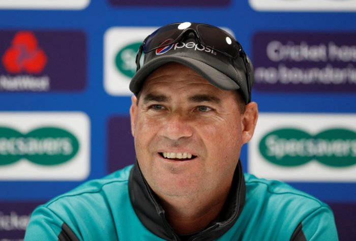 Pakistan coach Mickey Arthur was disappointed that his team didn't put up a fight in the second Test against England. Reuters
