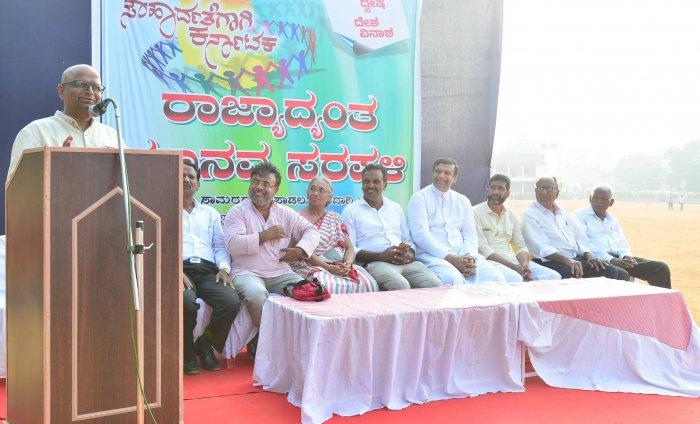 Journalist Dinesh Amin Mattu speaks at an event. FILE PHOTO