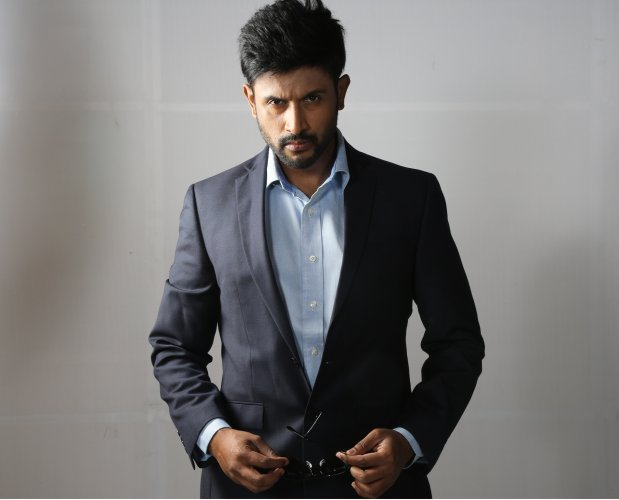 Rohitt is an RJ turned actor. He was seen in movies like Karvaa and Buckaasuura. He is currently a Music Jockey at 92.7 BIG FM. His celebrity talk show 'Nimma Stars Namma Rockstar Jothe' has many fan following. He was one of the top five contestants of Bigg Boss Kannada Season 2.