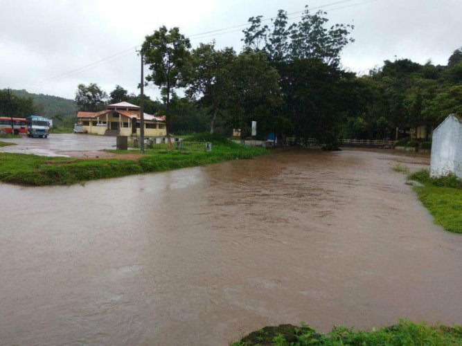 The snanaghatta at Bhagamandala Triveni Sangama was marooned following heavy rain on Friday.