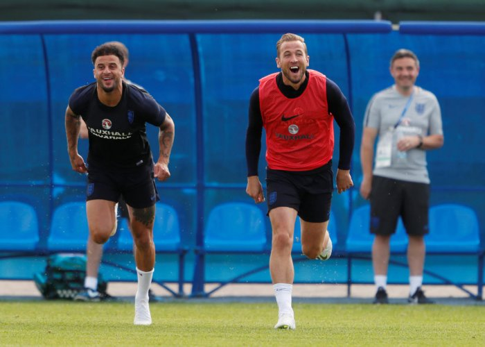 England's Kyle Walker and Harry Kane take part in a training session in Saint Petersburg. (Reuters Photo)