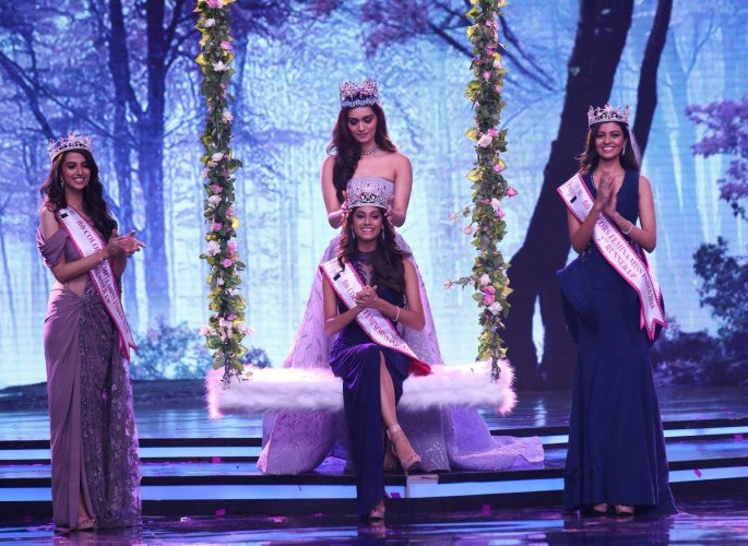 Tamil Nadu's Anukreethy Vas crowned Miss India World 2018. (Twitter/@feminamissindia)