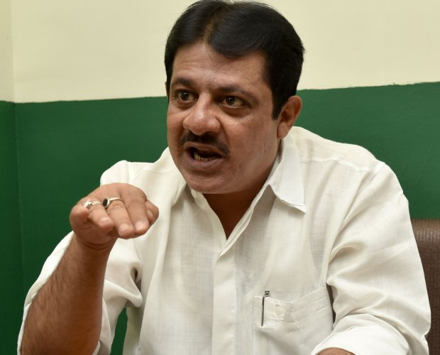 A fresh row erupted in Karnataka today after a minister said he would discuss with the chief minister renaming of the 'Haj Bhavan'after Tipu Sultan, an 18th-century ruler of the Mysore kingdom. DH file photo