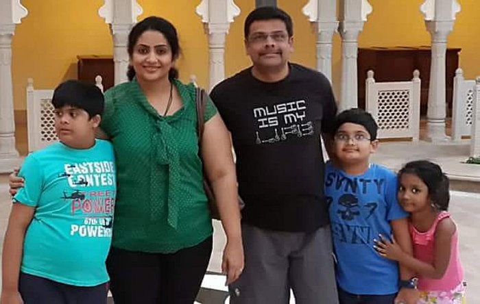 Family photo of Sahana with her husband Ganesh and children Raghavendra, Siddharth and Sakshi.