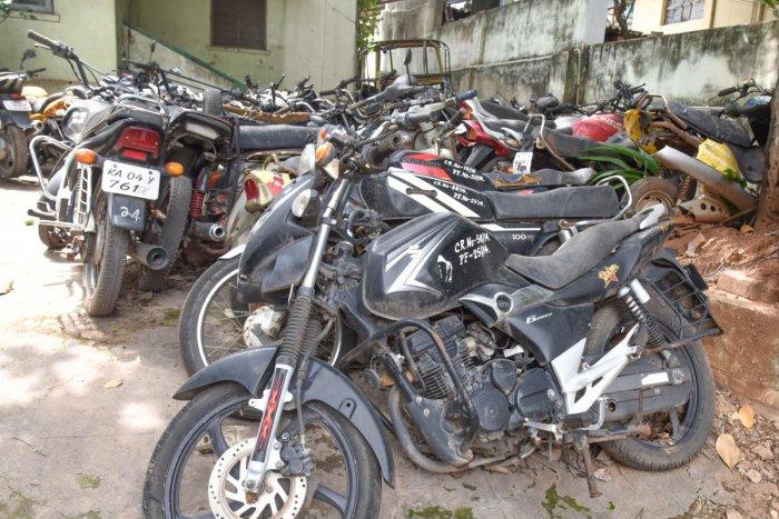 Bikes seen in Basavanagudi police station in Bengaluru on Saturday. DH Photo/S K Dinesh