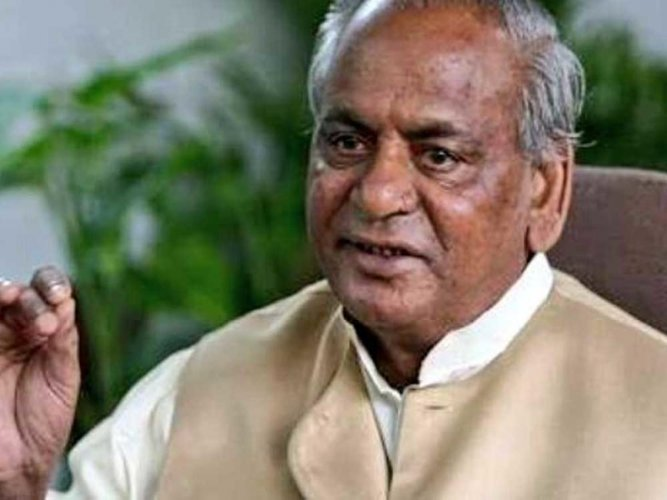 Rajasthan governor and former Uttar Pradesh chief minister Kalyan Singh have asked the backward castes not to beg for their rights but to slap anyone who deprives them of their due. File photo