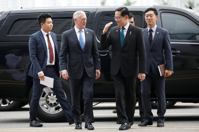 U.S. Defence Secretary Jim Mattis is greeted by his South Korean counterpart Song Young-moo upon his arrival at the Defence Ministry in Seoul, South Korea. (Reuters Photo)