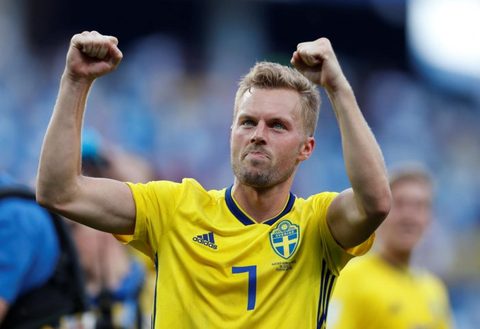 Soccer Football - World Cup - Group F - Sweden vs South Korea - Nizhny Novgorod Stadium, Nizhny Novgorod, Russia - June 18, 2018 Sweden's Sebastian Larsson celebrates victory after the match REUTERS/Matthew Childs
