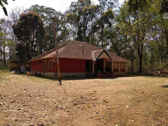SC Shocker: A heritage forest rest house in Arekeri, under Mattigodu Forest Range, Nagarahole National Park, in Kodagu district. The house was constructed in 1923-24. DH Photo/T R Sathish Kumar