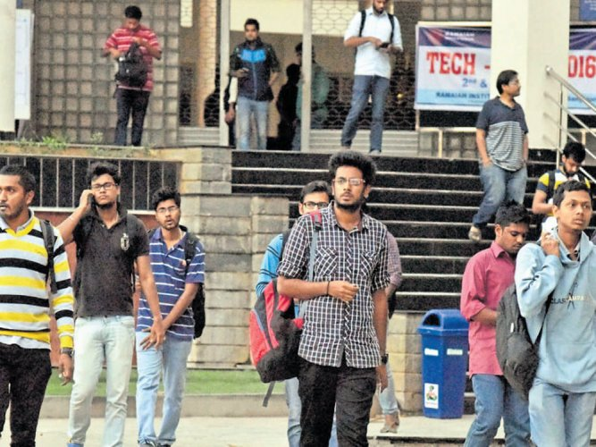 Primary and Secondary Education Minister N Mahesh told the Legislative Assembly on Tuesday that 58 government pre-university colleges with less than 10 students will be closed. However, the students and the faculty will move to a nearby college. DH file photo