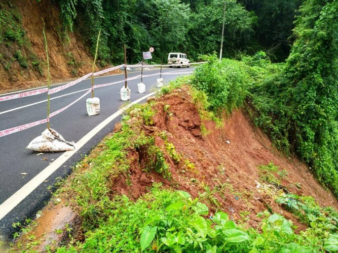 A portion of the Balehonnur-Jayapura State Highway caved in on Thursday night.