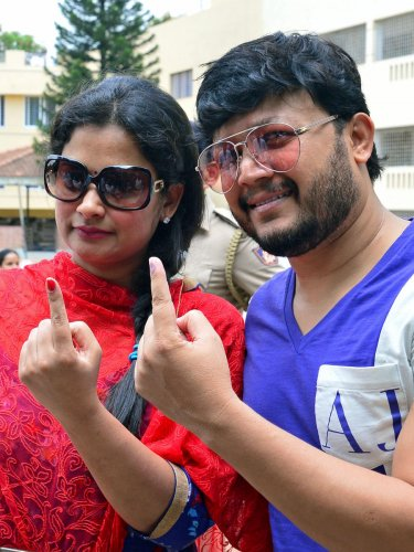 Actor Ganesh and his wife Shilpa