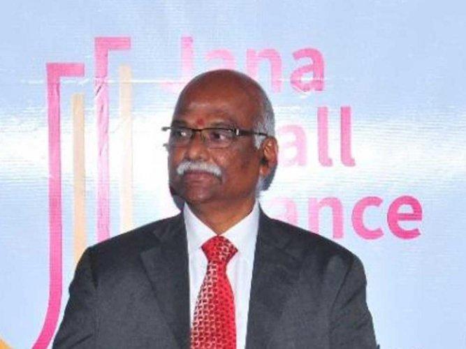 Former RBI Deputy Governor R Gandhi (DH file photo)