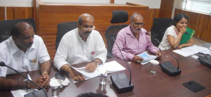 Minister for Fisheries and Animal Husbandry Venkata Rao Nadagouda chairs a meeting in Udupi on Wednesday.
