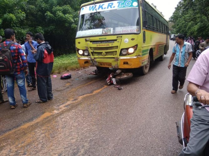 A school girl was killed in a head-on collision between a bus and bike, in Sirsi, on Wednesday. DH photo.