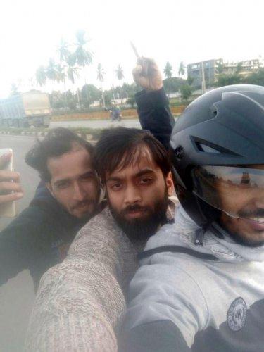 A selfie of Sahan (wearing helmet), his friends Pankaj Kumar, Sourav clicked before the accident.