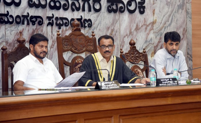 Mayor Bhaskar Moily chairs the monthly meeting of the council of Mangaluru City Corporation in Mangaluru on Monday.