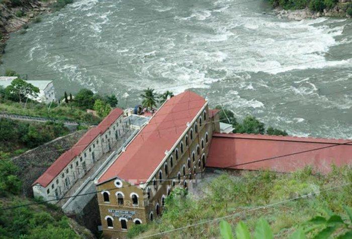 Shivanasamudra hydroelectric station in Malavalli taluk, Mandya district.