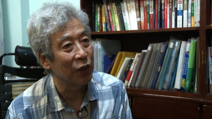 Former professor Sun Wenguang at his home in Jinan in east China's Shandong province on August 28, 2013. AFP