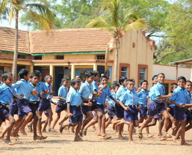 In Karnataka, over 14,000 teachers posts are lying vacant in elementary schools and over 4,000 posts in secondary schools. Uttar Pradesh and Bihar have the highest number of teachers vacancies at both elementary and secondary levels. DH file photo