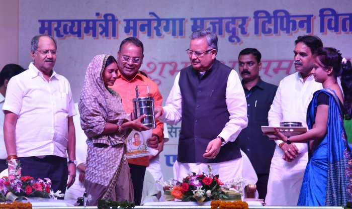 Chhattisgarh Chief Minister Dr Raman Singh during the launch of new scheme 'Chief Minister Tiffin Scheme' at Sardar Balbir Juneja Indoor Stadium, Budhatalab, Raipur.