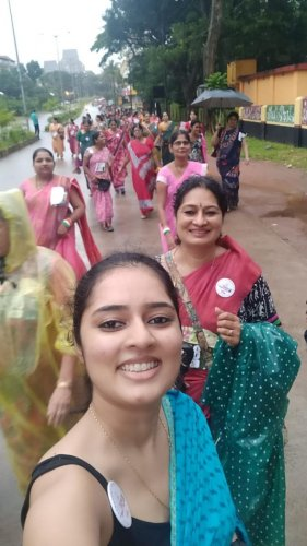 Saree-clad women run to shatter social inhibitions relating to age and attire, in Mangaluru, on Sunday. (Photo: Special Arrangement)
