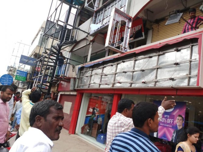 The Bruhat Bengaluru Mahanagara Palike, which kickstarted the drive last week, has completed the first round of the encroachment-removal drive.